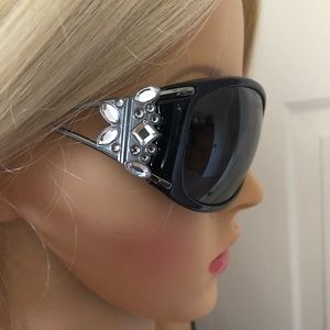 Salvatore Ferragamo sunglasses 😎